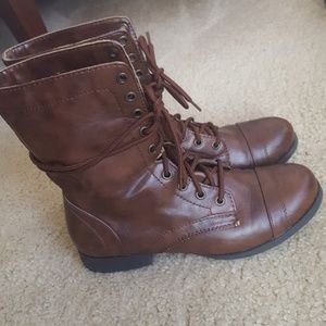 BRASH BROWN LACE UP BOOTS